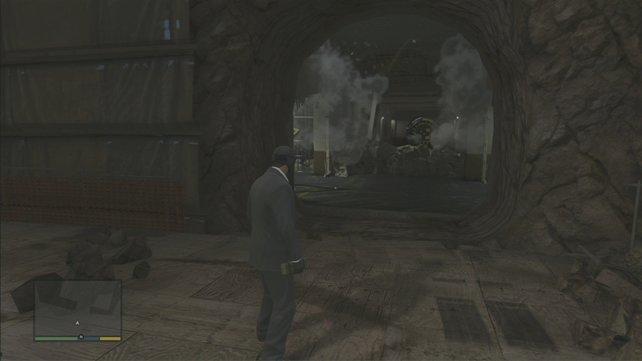 Haftbomben an die Gittertüren und Knöpfchen drücken, dann ist der Weg frei.
