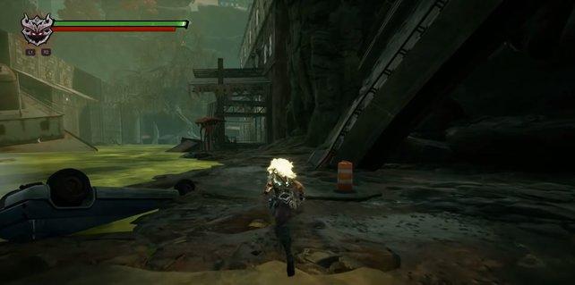Habt ihr den Fluss überquert, biegt ihr hinten am roten Pilz rechts in die Halle ab.