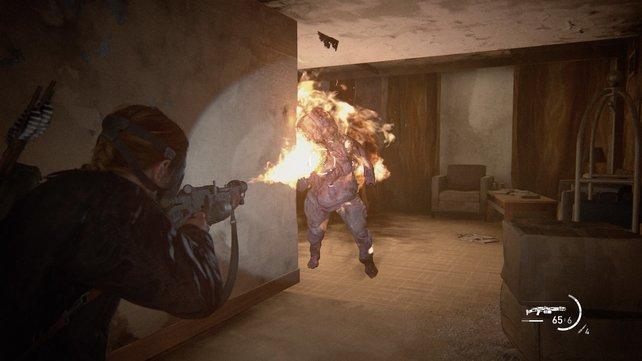 Der Flammenwerfer ist die perfeke Waffe, um große Gegner wie Shambler und Bloater abzuwehren. Gegen mehrere Angreifer von vorne ist er auch serh praktisch.