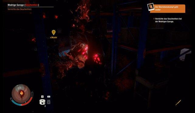 Ganz schön dunkel hier drin: Seuchenherzen lassen sich zu zweit prima aushebeln. Alleine solltet ihr die Zombiehorde erst einmal aus dem Gebäude locken, ehe ihr angreift.
