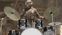 Spieler killt mit Schlagzeug