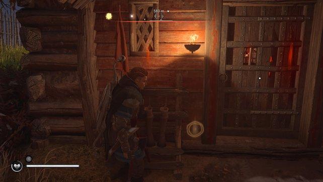 Mit geschickten Schüssen könnt ihr die Holzriegel durch die Fenster zerstören.