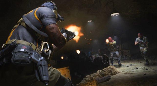 In Call of Duty: Modern Warfare müsst ihr nicht immer mit Waffen kämpfen - Manchmal reicht auch einfach nur eine Tür.
