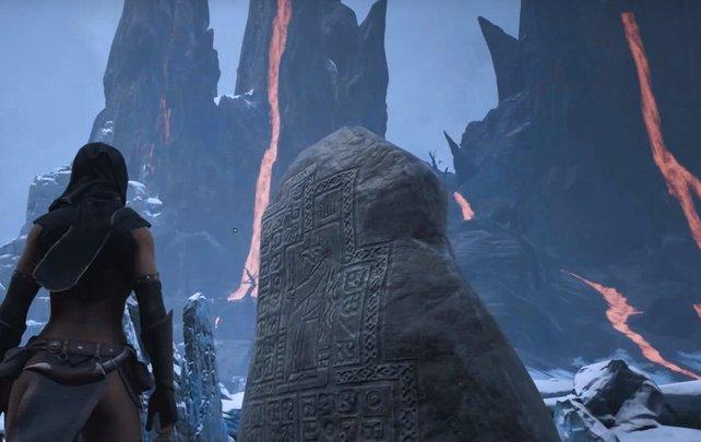 Erst, wenn ihr euch den Lemurischen Geschichtssteinen in Conan Exiles nähert, leuchten sie auf und ihr könnt mehr Lore erfahren.