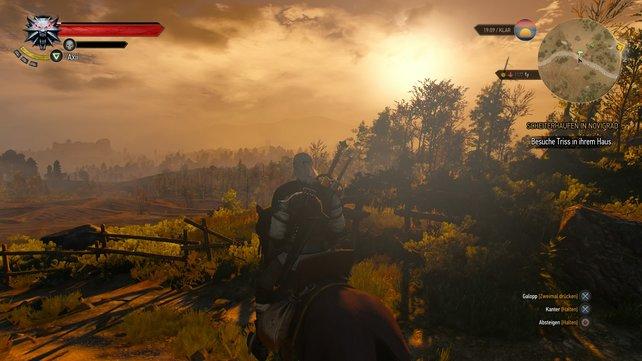 Technik wie ein Kunstwerk: Die Abendsonne zeichnet lange Schatten in der Landschaft ab.
