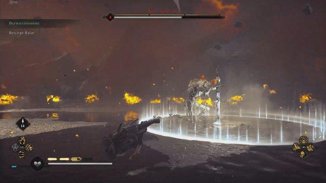 Rammt Balar sein Schwert in den Boden, dann müsst ihr rasch ausweichen, um nicht vom Flammenkreis getroffen zu werden.
