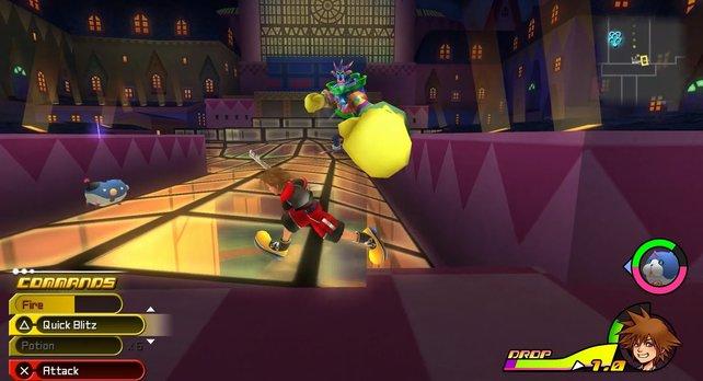 Je nachdem ob ihr mit Sora oder Riku spielt, erwartet euch ein anderer Kampf gegen den Kistenklopper.