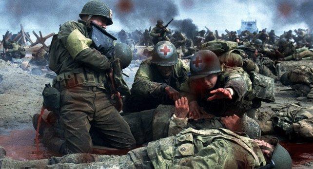 """Filme wie """"Der Soldat James Ryan"""" gelten als """"Antikriegsfilme"""" - es gibt aber auch """"Antikriegsspiele""""."""