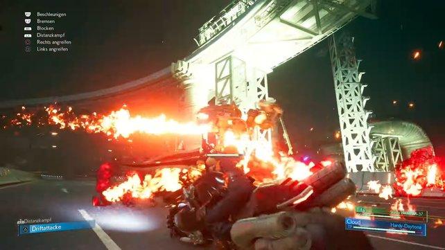 Immer wenn ihr den Robo-Panzer geschockt habt und er sich im Anschluss wieder erholt hat, müsst ihr auf ABstand gehen, da er seine Flammenwerfer auspackt.