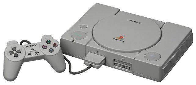 Sony veröffentlicht die Playstation 1 in Japan Ende 1994. Obwohl ihr Arbeitsspeicher nur halb so groß ist wie der des N64, ist sie der Hauptkonkurrent.