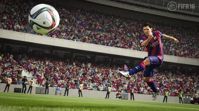 Messi versucht sich an einem Fernschuss - ob er unsere Tipps gelesen hat?