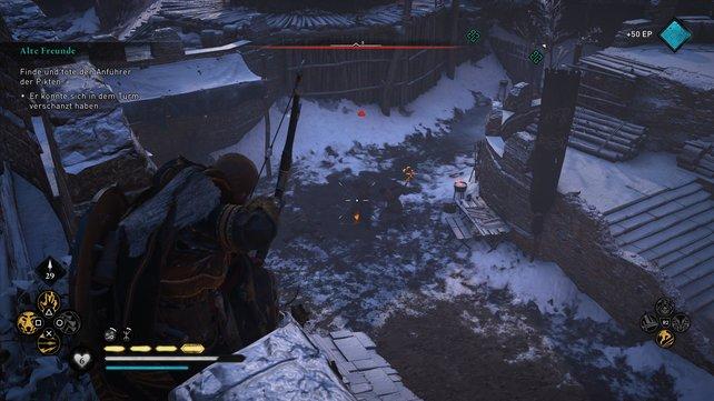 Erklimmt zuerst die Mauern und schaltet die hiesigen Gegner aus, ehe ihr euch um die Pikten weiter unten kümmert.