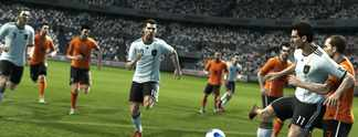 First Facts: Pro Evolution Soccer 12: Ohne Bundesliga gegen Fifa 12